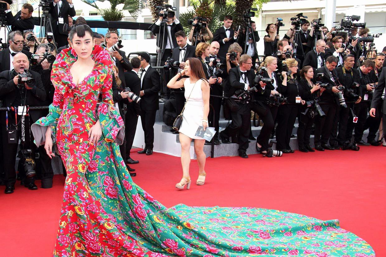 """Vén màn mặt tối đằng sau Cannes danh giá: """"Ngày hội tiền lương"""" của gái mại dâm và cơ hội vàng cho những kẻ vô danh đổi đời - Ảnh 4."""