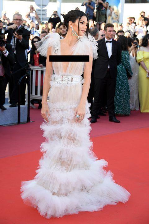 Kendall Jenner, Bella Hadid hay hotgirl Hoa ngữ từng gây sốc vì mặc như không, nhưng vẫn phải chào thua Ngọc Trinh! - Ảnh 1.