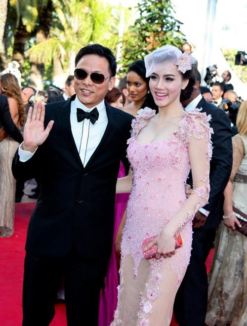 Sao Việt đến Cannes qua các mùa: Người vinh dự có tác phẩm, kẻ tơ hơ không ai biết xuất hiện để làm gì - Ảnh 14.