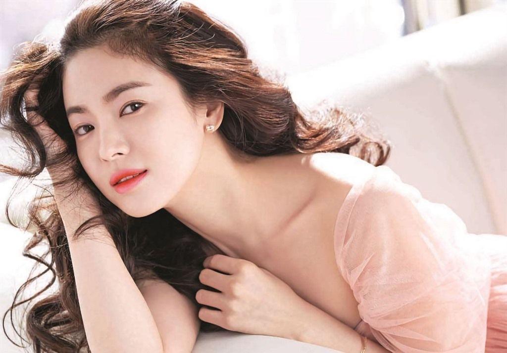 Khiến triệu người mê mẩn vì đẹp tựa nữ thần, nhan sắc ngoài đời của Song Hye Kyo trong mắt trẻ con ra sao? - Ảnh 1.