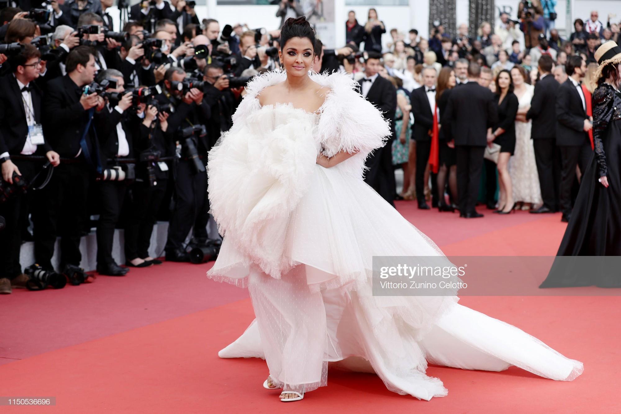 Cannes ngày 6: Chương Tử Di thần thái ngút ngàn, Hoa hậu đẹp nhất mọi thời đại đè bẹp loạt mỹ nhân Hollywood - Ảnh 7.