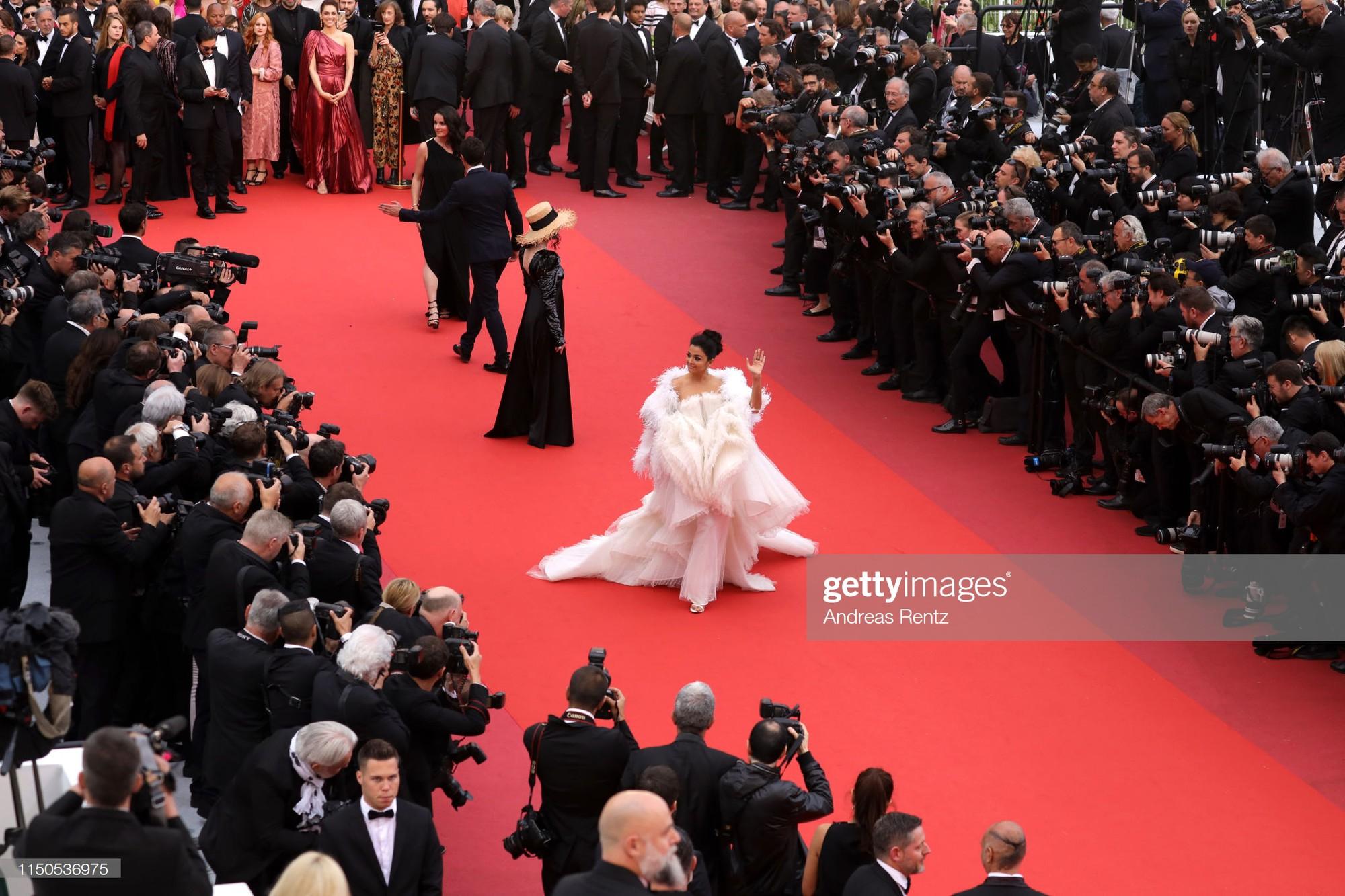 Cannes ngày 6: Chương Tử Di thần thái ngút ngàn, Hoa hậu đẹp nhất mọi thời đại đè bẹp loạt mỹ nhân Hollywood - Ảnh 6.