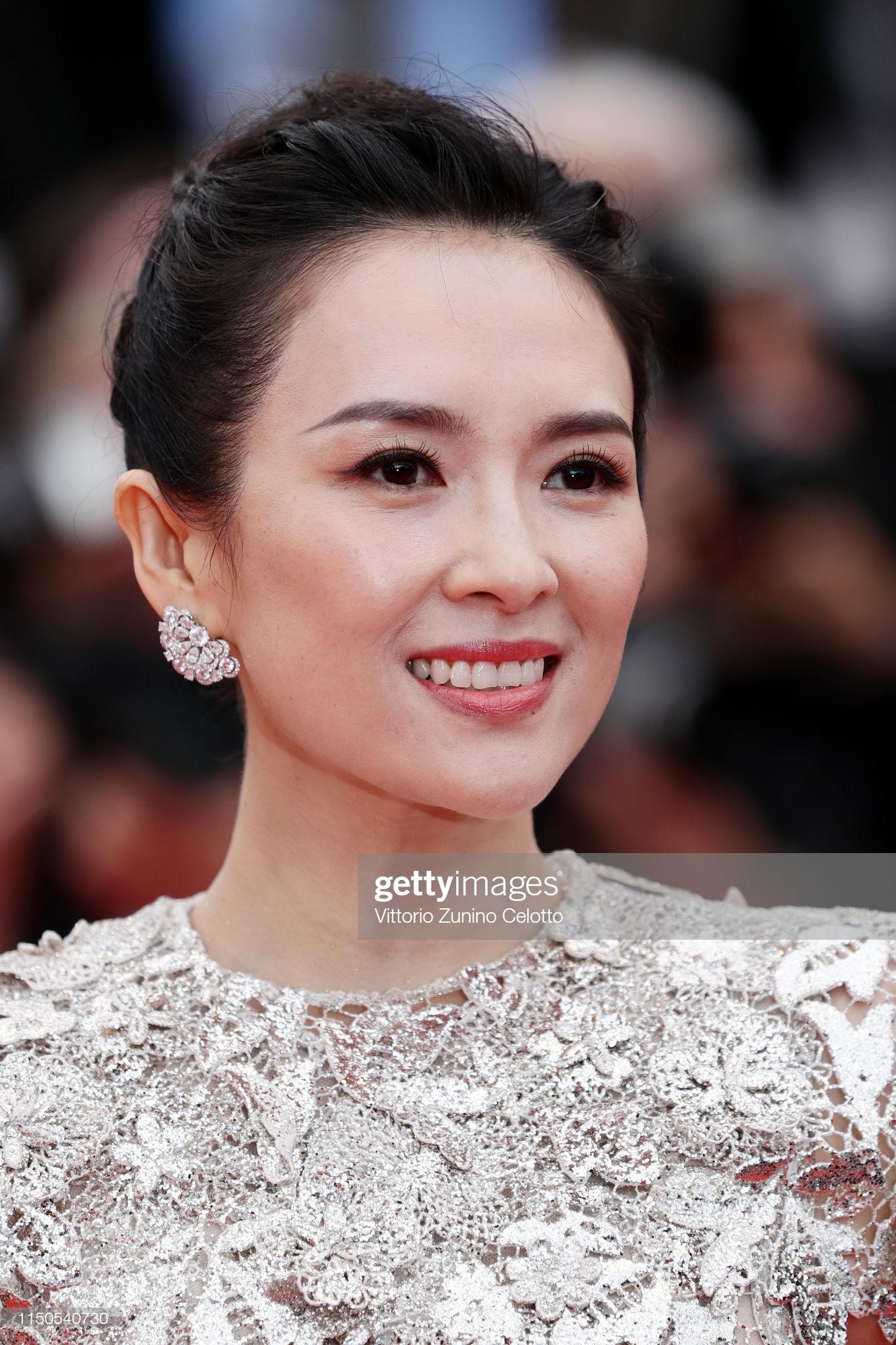 Cannes ngày 6: Chương Tử Di thần thái ngút ngàn, Hoa hậu đẹp nhất mọi thời đại đè bẹp loạt mỹ nhân Hollywood - Ảnh 1.