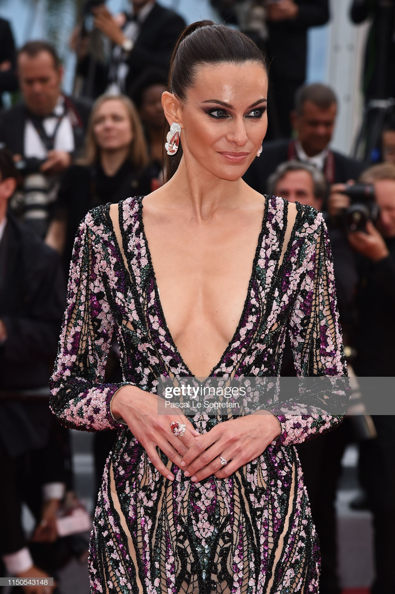 Cannes ngày 6: Chương Tử Di thần thái ngút ngàn, Hoa hậu đẹp nhất mọi thời đại đè bẹp loạt mỹ nhân Hollywood - Ảnh 11.