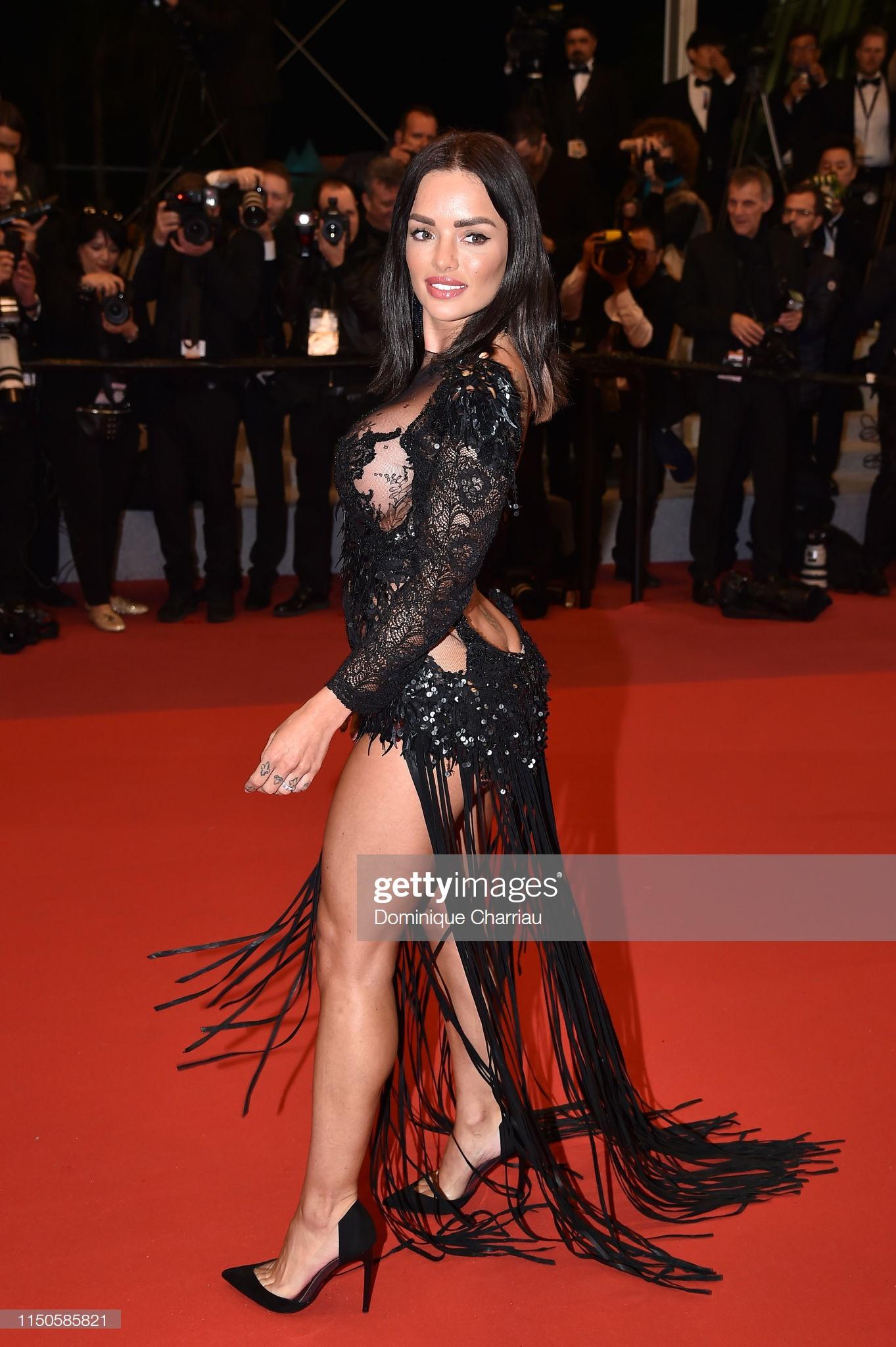 Xuất hiện người đẹp vô danh ăn mặc giống Ngọc Trinh tại Cannes nhưng liệu có đọ được về độ táo bạo, khoe da thịt? - Ảnh 5.