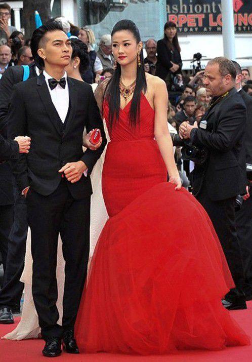 Sao Việt đến Cannes qua các mùa: Người vinh dự có tác phẩm, kẻ tơ hơ không ai biết xuất hiện để làm gì - Ảnh 16.
