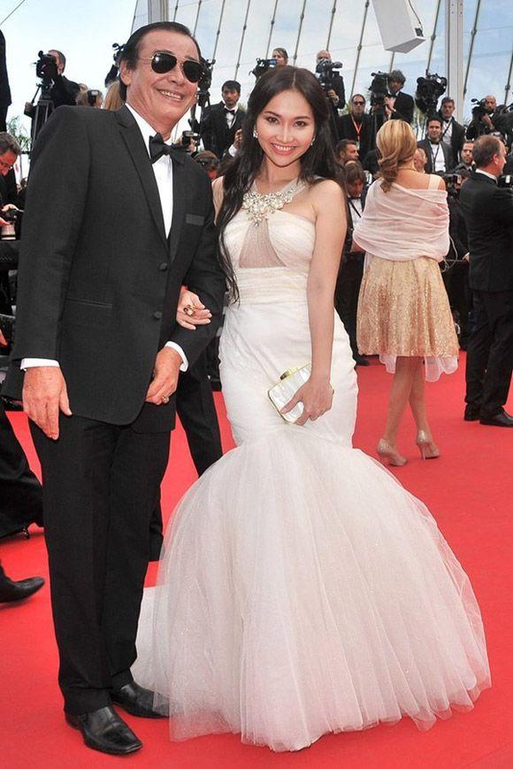 Sao Việt đến Cannes qua các mùa: Người vinh dự có tác phẩm, kẻ tơ hơ không ai biết xuất hiện để làm gì - Ảnh 18.
