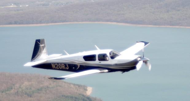 Triệu phú từng mở quỹ từ thiện trẻ em bị phát hiện quan hệ với bé gái 15 tuổi trên phi cơ riêng - Ảnh 2.