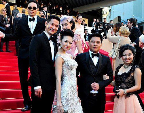 Sao Việt đến Cannes qua các mùa: Người vinh dự có tác phẩm, kẻ tơ hơ không ai biết xuất hiện để làm gì - Ảnh 11.