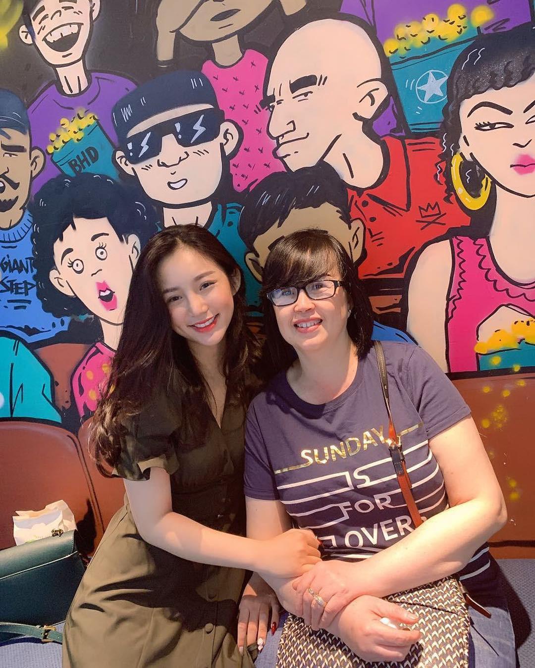 Thành viên mới của hội girl xinh Việt lên báo nước ngoài: Cười siêu đẹp, body siêu hot - Ảnh 6.