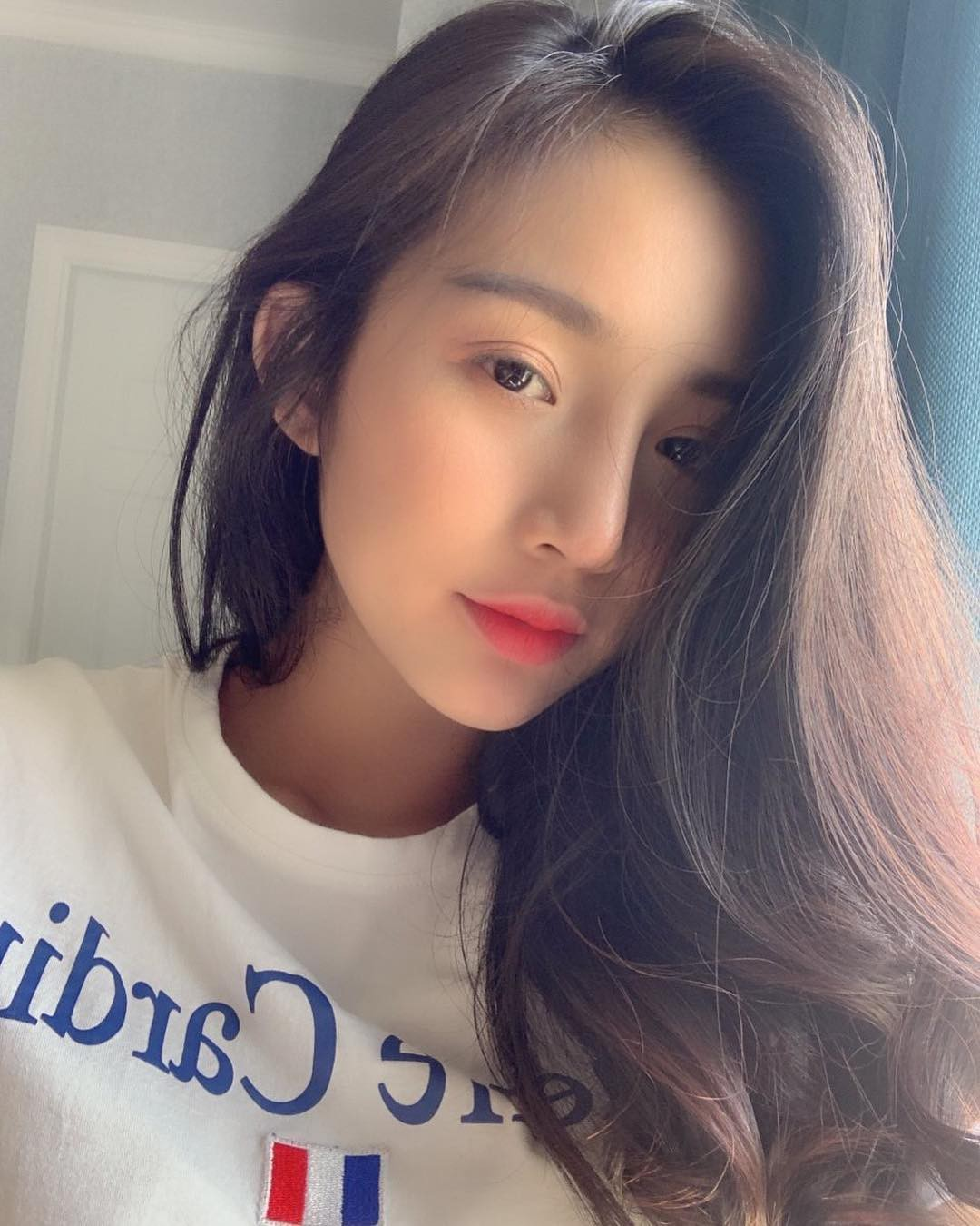 Thành viên mới của hội girl xinh Việt lên báo nước ngoài: Cười siêu đẹp, body siêu hot - Ảnh 2.