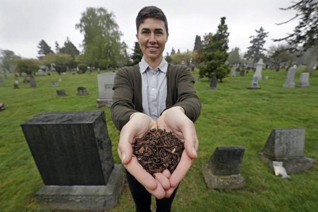 Bang Washington (Mỹ) hợp pháp hóa việc biến thi thể người chết thành phân hữu cơ - Ảnh 1.