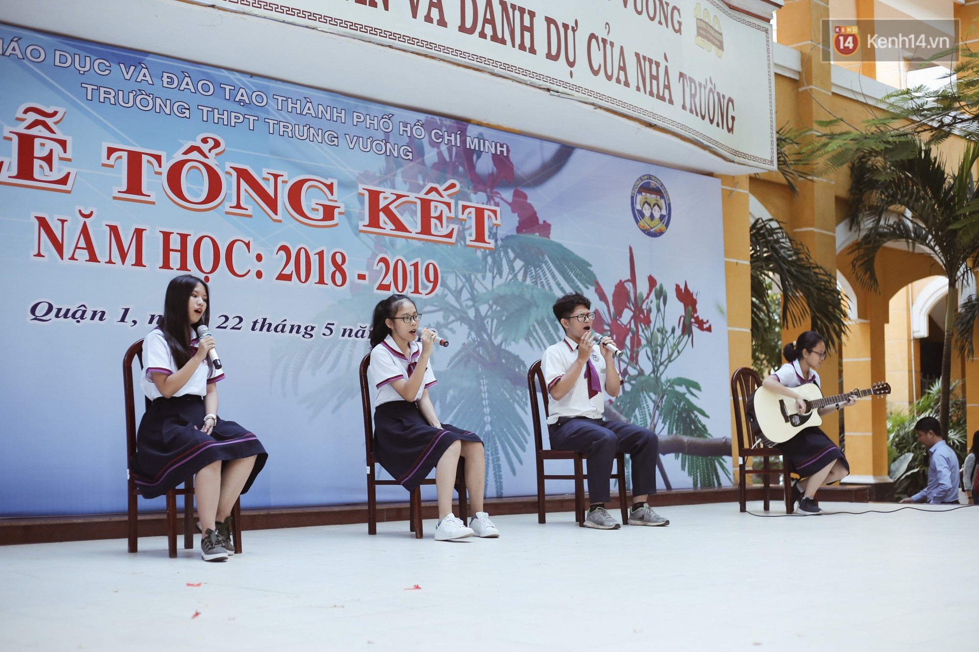 Lưu luyến trước nhan sắc trong veo đúng tuổi 18 của nữ sinh trường THPT Trưng Vương - Ảnh 4.