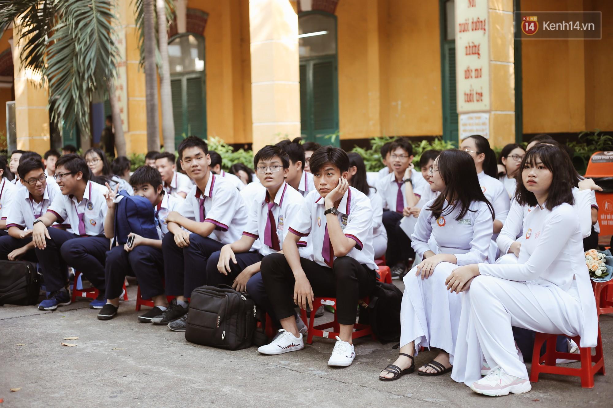 Lưu luyến trước nhan sắc trong veo đúng tuổi 18 của nữ sinh trường THPT Trưng Vương - Ảnh 5.
