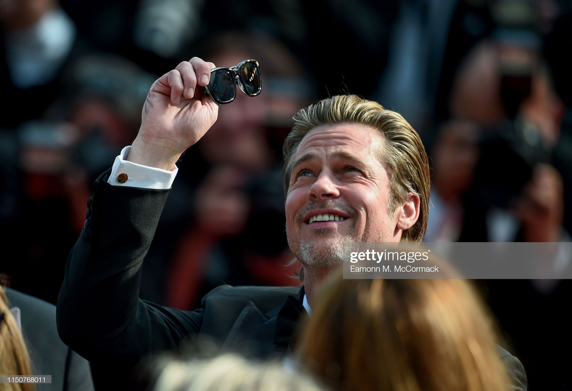 Thảm đỏ Cannes nóng lên từng phút: Brad Pitt - Leonardo lịch lãm ná thở, Chương Tử Di khoe vòng một giành spotlight - Ảnh 2.