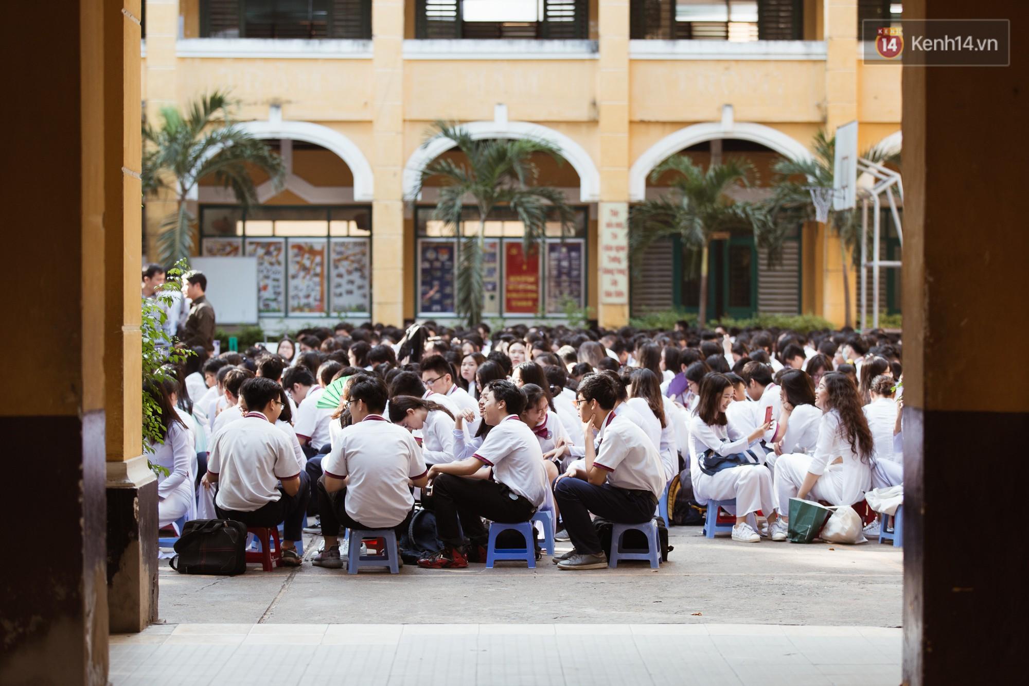 Lưu luyến trước nhan sắc trong veo đúng tuổi 18 của nữ sinh trường THPT Trưng Vương - Ảnh 11.