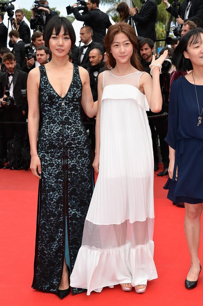 Nữ minh tinh xứ Hàn lên thảm đỏ Cannes: Jeon Ji Hyun và mẹ Kim Tan gây choáng ngợp, nhưng sao nhí này mới đáng nể - Ảnh 26.