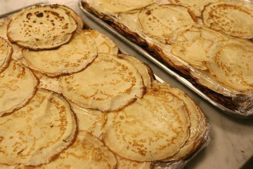 Mỹ: Điều tra vụ học sinh trộn nước tiểu và tinh dịch vào bánh rồi mời giáo viên ăn - Ảnh 2.