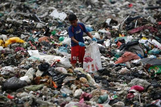 Malaysia trả lại... rác cho các nước phát triển - Ảnh 1.