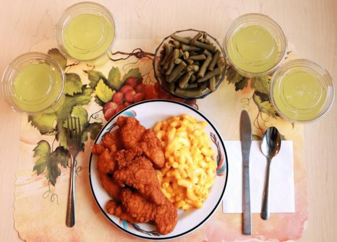 Thực phẩm siêu chế biến khiến bạn béo lên và tăng nguy cơ mắc ung thư, vậy nên ăn thế nào cho khoa học? - Ảnh 1.