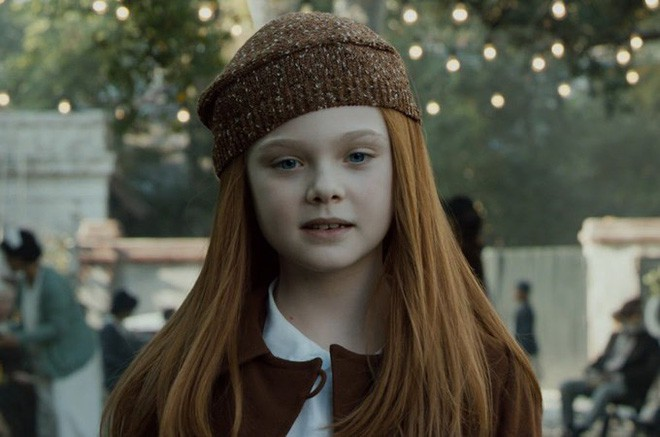 Giám khảo trẻ nhất lịch sử Cannes Elle Fanning: Đẹp vô thực, từ bóng của chị gái thành cô tiên nước Mỹ quyền lực - Ảnh 4.