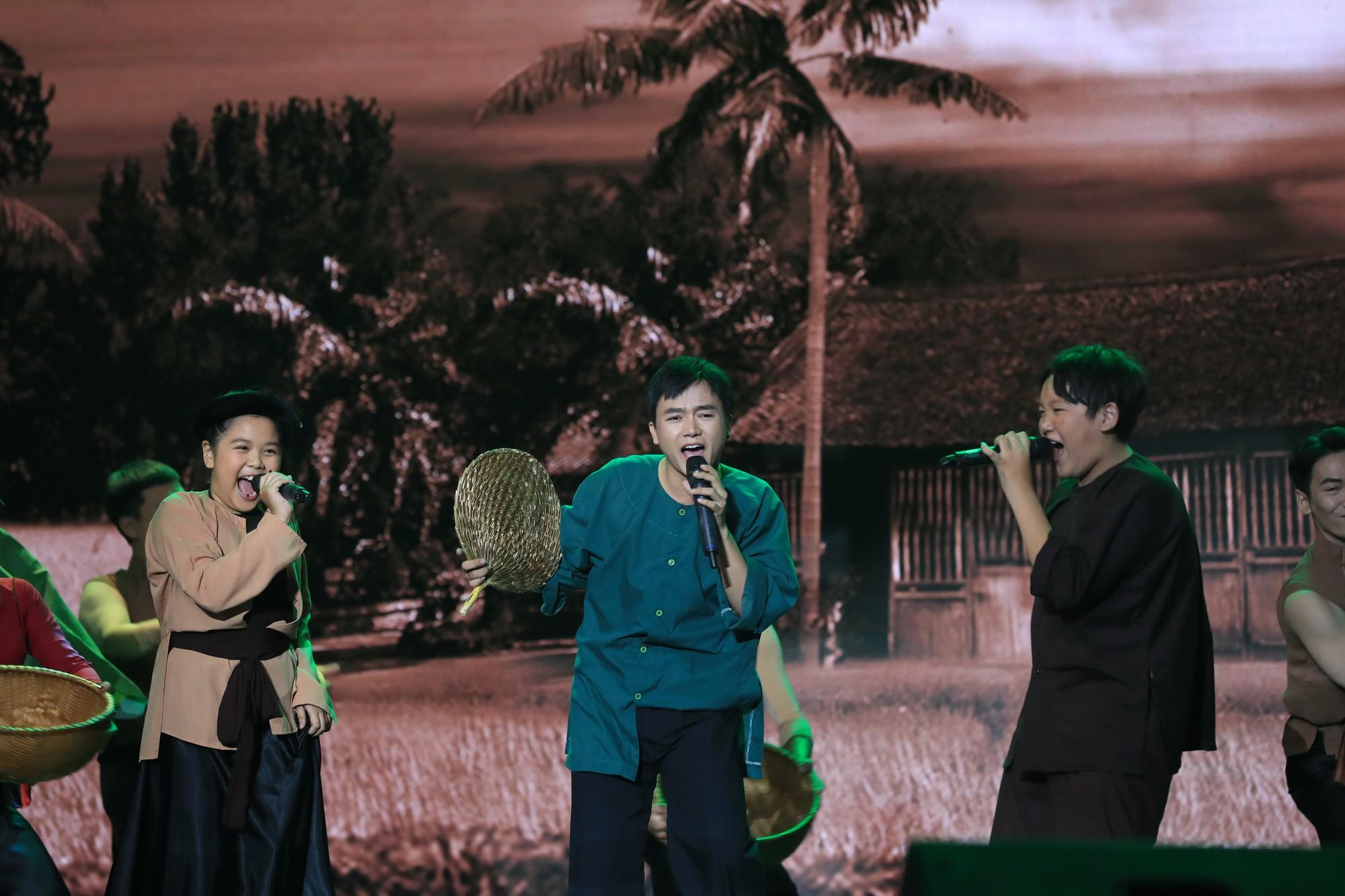 Tuyệt đỉnh song ca nhí 2019 kết thúc với chiến thắng của đội Hồ Việt Trung - Diệu Nhi - Ảnh 14.