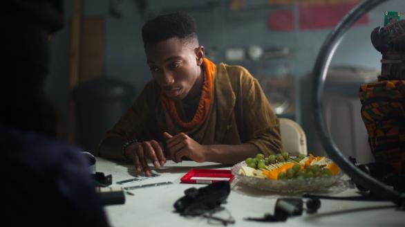 Khi Netflix chơi trò đầu bếp, pha trộn nền văn hóa da màu với du hành thời gian, chúng ta có See You Yesterday - Ảnh 7.