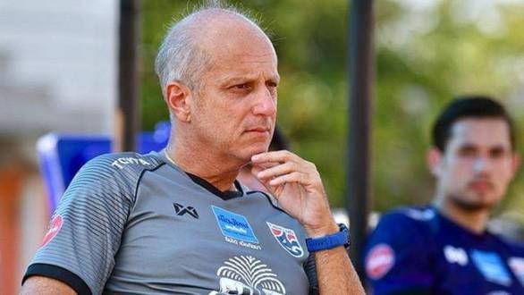 Đội bóng của Văn Lâm tính gây sốc, chi hơn 14 tỷ đồng chiêu mộ HLV từng thảm bại trước U23 Việt Nam - Ảnh 1.
