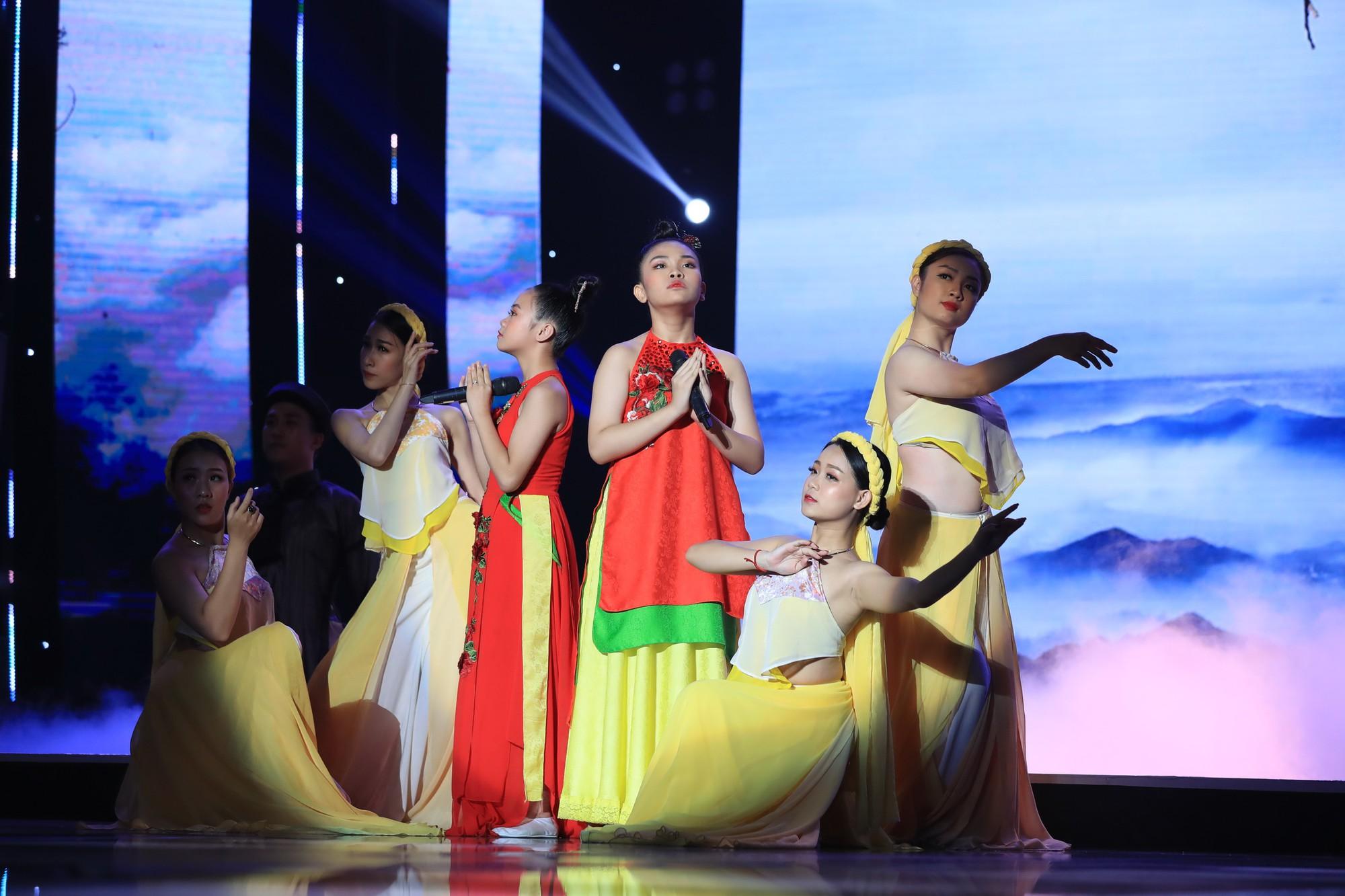Tuyệt đỉnh song ca nhí 2019 kết thúc với chiến thắng của đội Hồ Việt Trung - Diệu Nhi - Ảnh 12.