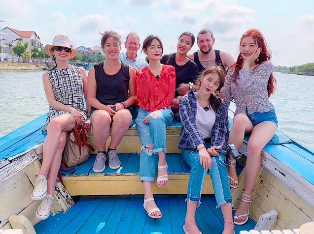 """Mách ngay """"tất tần tật"""" địa điểm mà loạt sao Hàn đã ghé khi đến Đà Nẵng nếu các fan muốn có """"cheap moment"""" với Idol - Ảnh 34."""