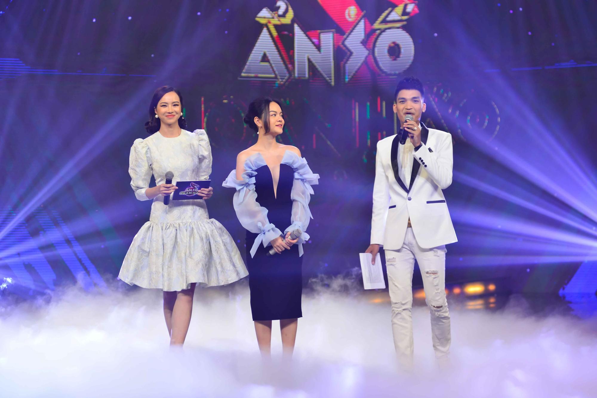 Mạc Văn Khoa quê độ khi nhận Phạm Quỳnh Anh là thần tượng nhưng không thuộc bài hát nào - Ảnh 2.
