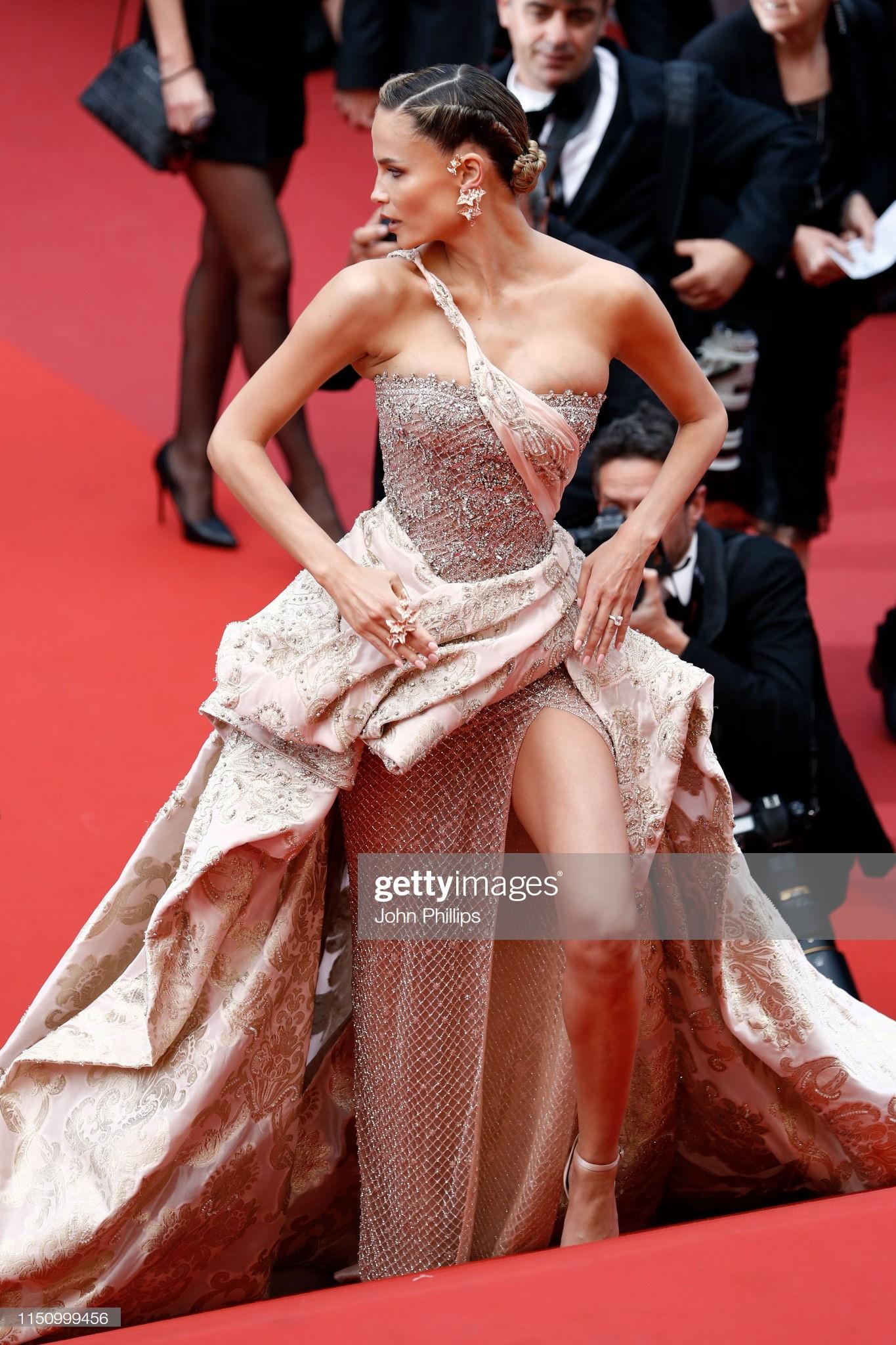 Cannes ngày 8: Mỹ nhân Ý khoe vòng 1 nhức mắt, dàn người mẫu Hollywood tung chiêu hết cỡ tại thảm đỏ - Ảnh 12.