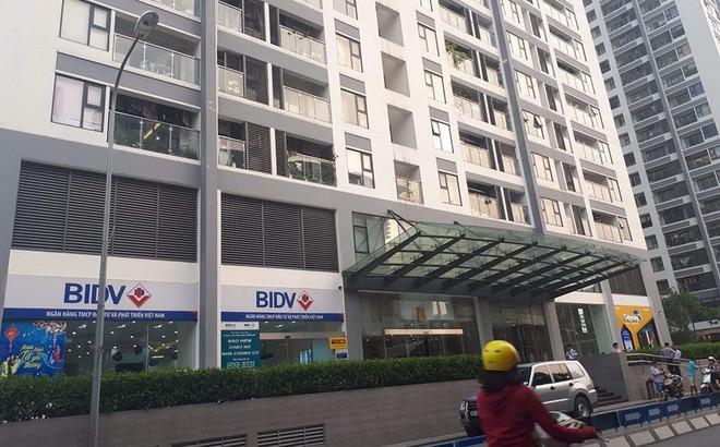 Nạn nhân bị người đàn ông ngoại quốc sàm sỡ trong thang máy chung cư ở Hà Nội là 1 phụ nữ và 1 bé gái - Ảnh 1.