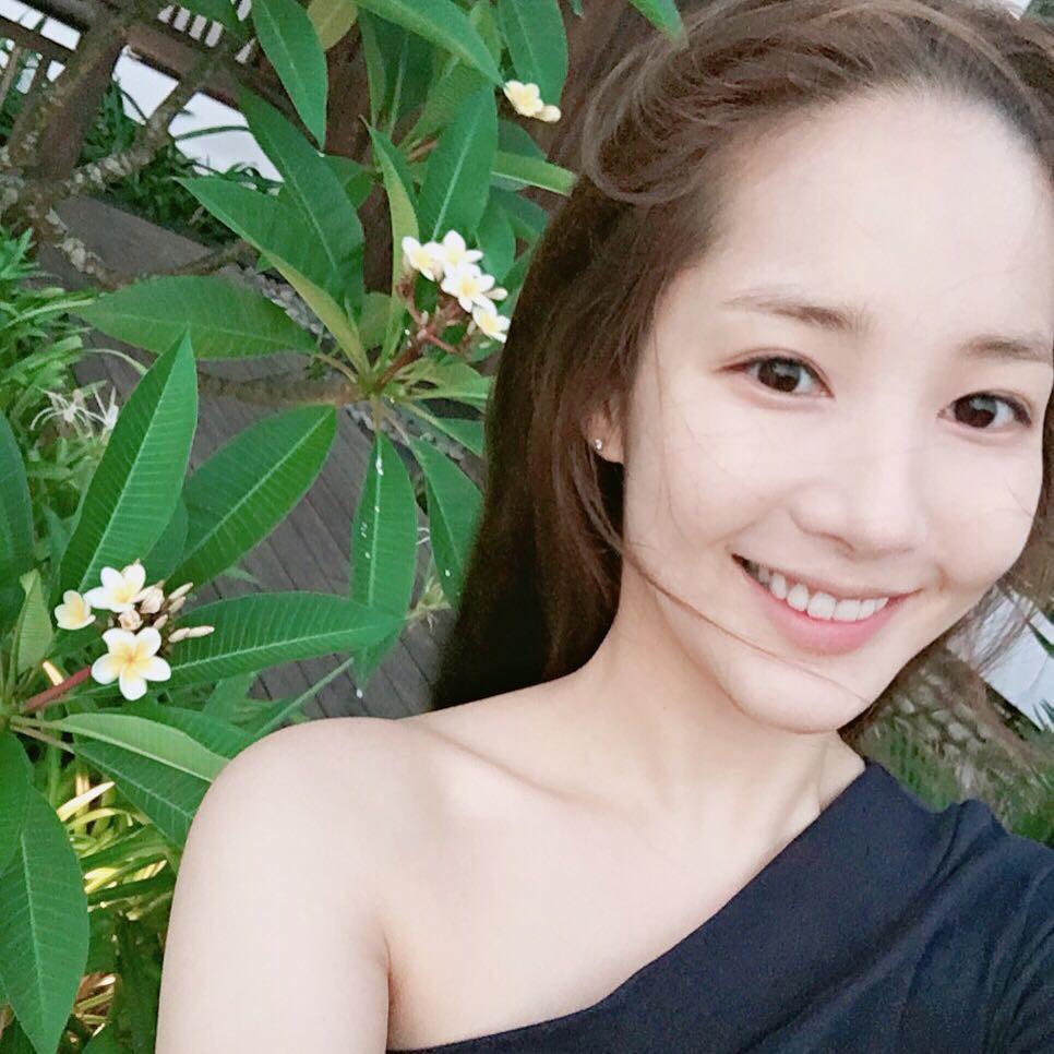 """Mách ngay """"tất tần tật"""" địa điểm mà loạt sao Hàn đã ghé khi đến Đà Nẵng nếu các fan muốn có """"cheap moment"""" với Idol - Ảnh 31."""