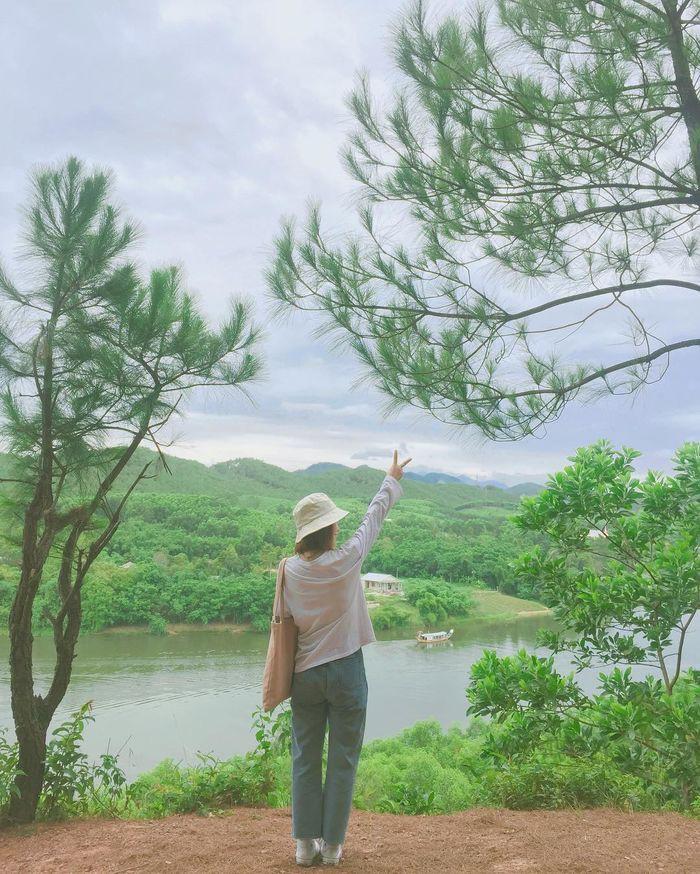 Khoan về quê nuôi cá và trồng rau, nếu mệt quá hãy... đến Huế để tâm hồn phiêu dạt như áng mây bên trời - Ảnh 7.