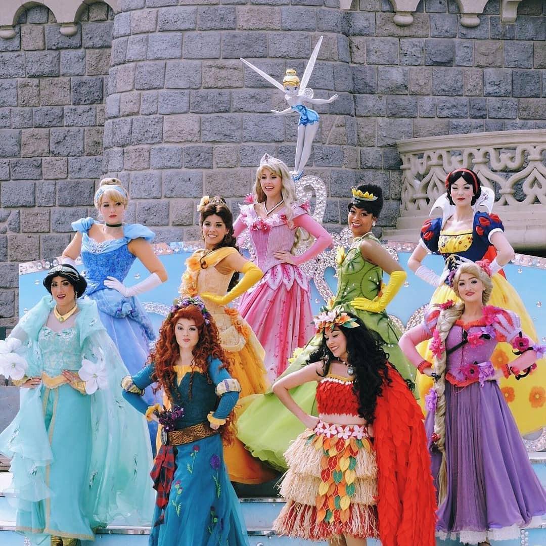 9 bí mật đằng sau vẻ hào nhoáng của những cô công chúa làm việc tại Disney World - Ảnh 7.