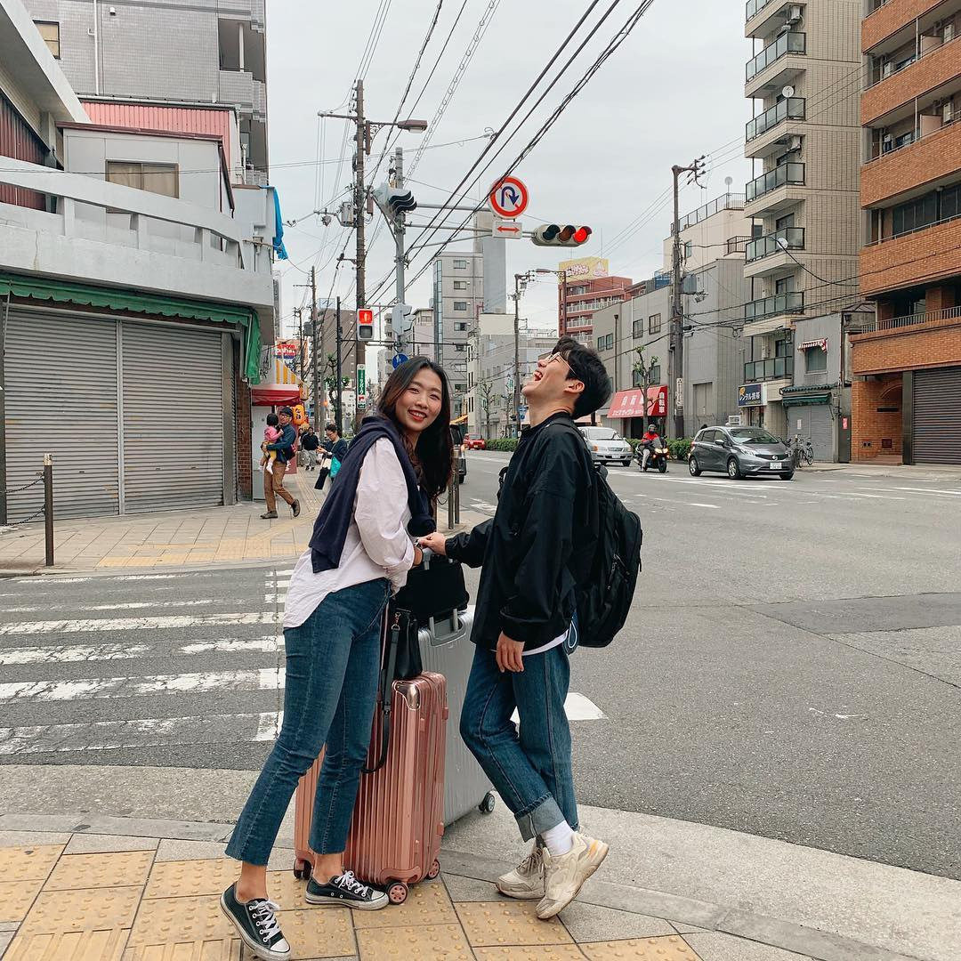 Học cách pose dáng như cặp đôi người Hàn này, đảm bảo có ngay loạt ảnh du lịch đáng yêu không trượt phát nào - Ảnh 11.