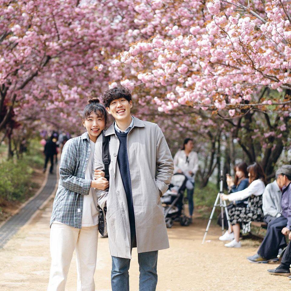 Học cách pose dáng như cặp đôi người Hàn này, đảm bảo có ngay loạt ảnh du lịch đáng yêu không trượt phát nào - Ảnh 14.
