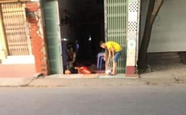 Thực hư thông tin chồng bị vợ cắt của quý, nằm giữa vũng máu trước cửa một căn nhà ở Hà Đông - Ảnh 2.