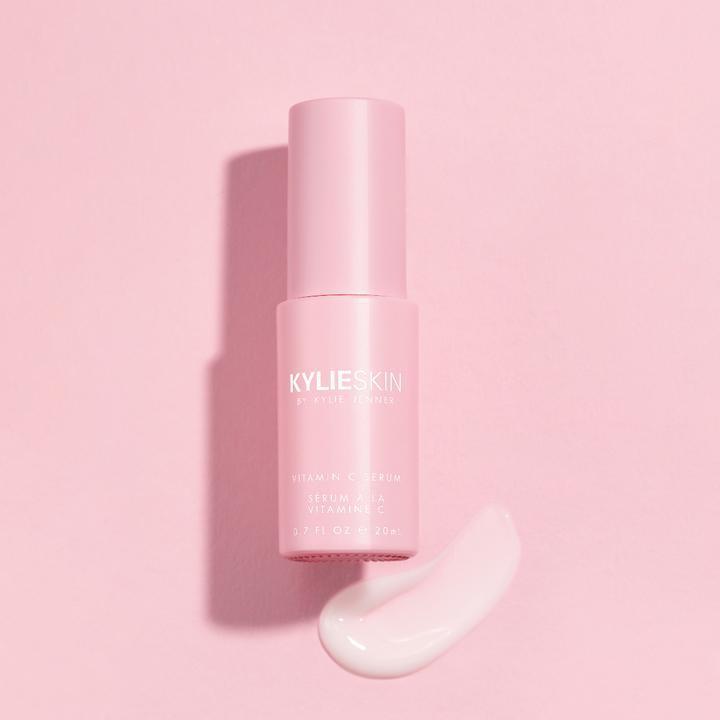 Review đầu tiên về đồ skincare của Kylie Jenner: được khen nhiều bất ngờ nhưng đáng chú ý nhất là sản phẩm scrub bị tố có thể gây hỏng da - Ảnh 6.