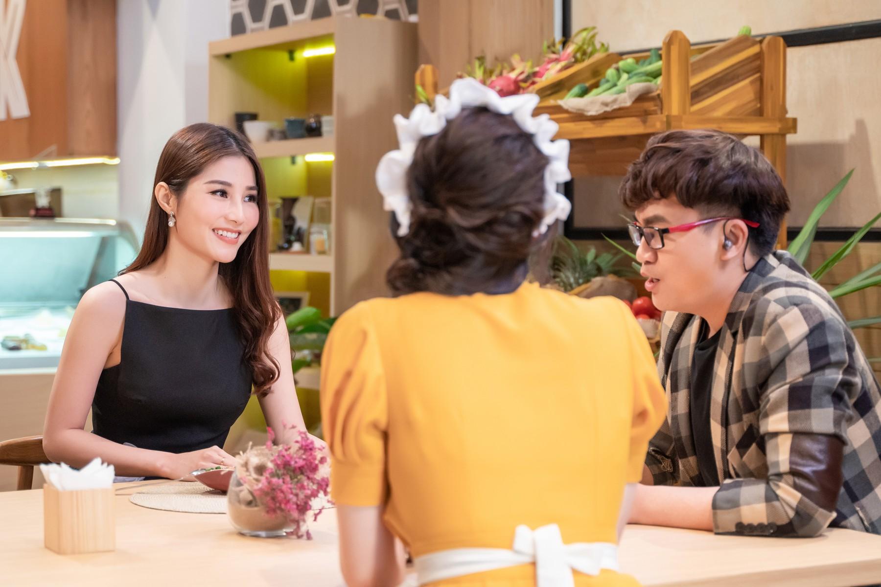 Hari Won làm cô phục vụ cho Minh Hằng, Lan Ngọc, Eunjung (T-ara)... trong show thực tế mới - Ảnh 11.