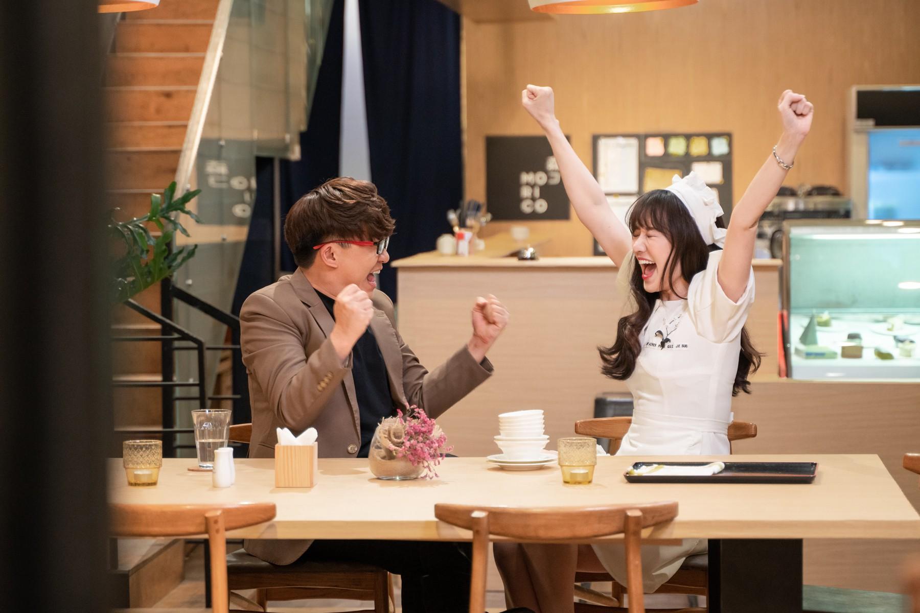 Hari Won làm cô phục vụ cho Minh Hằng, Lan Ngọc, Eunjung (T-ara)... trong show thực tế mới - Ảnh 2.