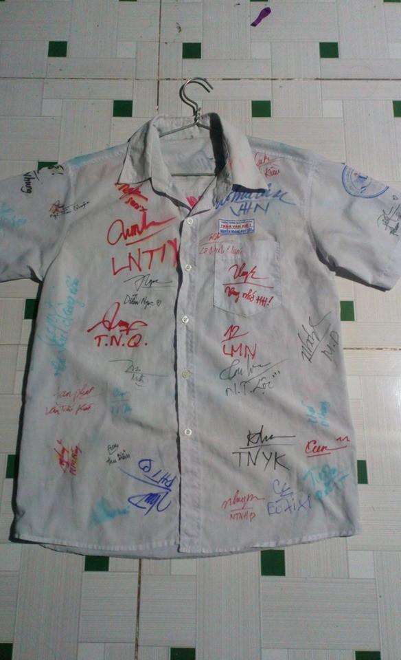 Dân mạng đua nhau share chiếc áo trắng thanh xuân với những dòng chữ chi chít của bạn bè cùng lớp, bạn còn giữ nó không? - Ảnh 17.