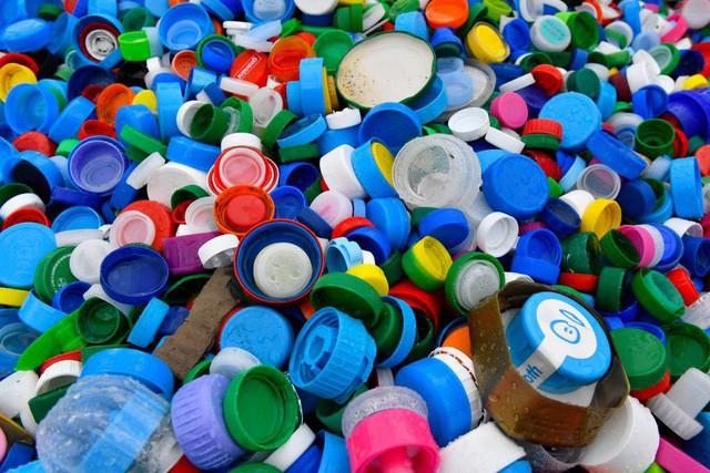 Liên minh châu Âu sẽ cấm sản phẩm đồ nhựa dùng một lần - Ảnh 1.