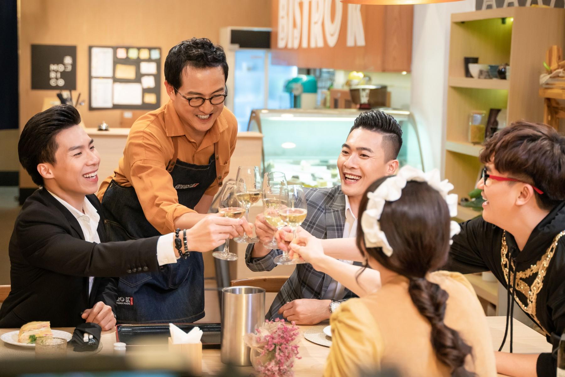 Hari Won làm cô phục vụ cho Minh Hằng, Lan Ngọc, Eunjung (T-ara)... trong show thực tế mới - Ảnh 7.