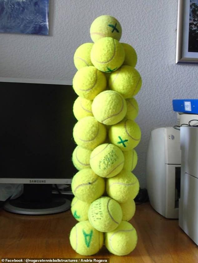 Không cần keo hay hồ dán, nhà vật lý vẫn dựng được cả tòa tháp bóng tennis bằng một thứ chúng ta vẫn tiếp xúc mỗi ngày - Ảnh 1.