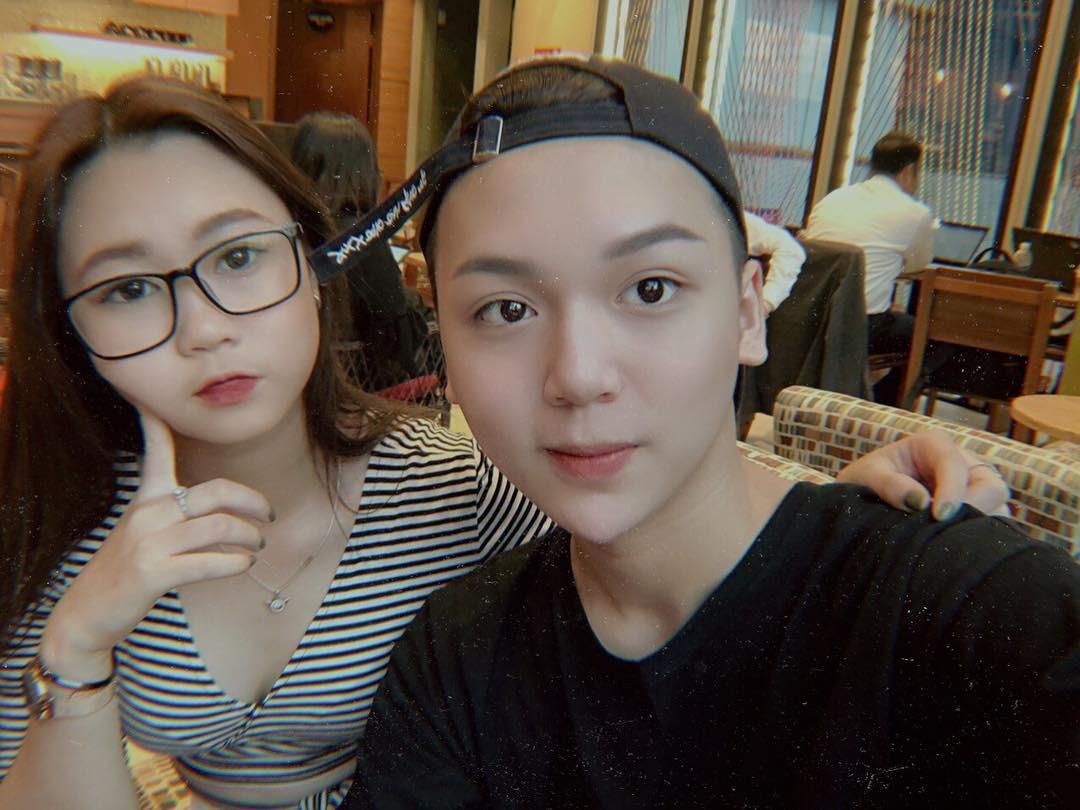 Bạn thân Linh Ka - Long Bi khiến dân tình xôn xao với chiếc cằm nhọn hoắt, make-up cực giống Soobin Hoàng Sơn - Ảnh 4.