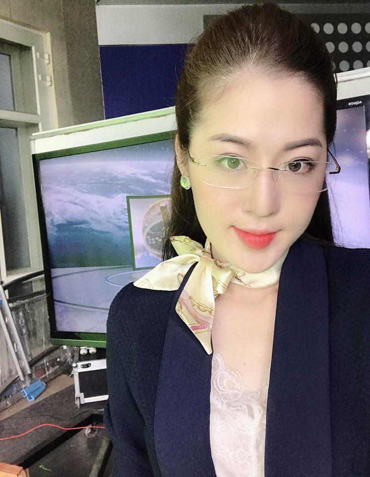 """Giảm liền tù tì 8kg và """"hi sinh"""" 2 chiếc răng khểnh, MC ở Quảng Ninh được mệnh danh là """"nữ thần thời tiết"""" - Ảnh 3."""