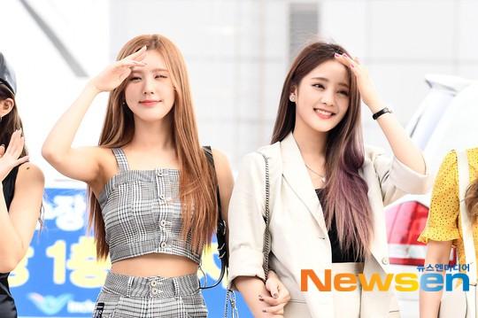 Girlgroup thế hệ mới nhà Cube gây bão tại sân bay: Thành viên hụt BLACKPINK xuất thần, body mỹ nhân 98er quá nuột - Ảnh 1.