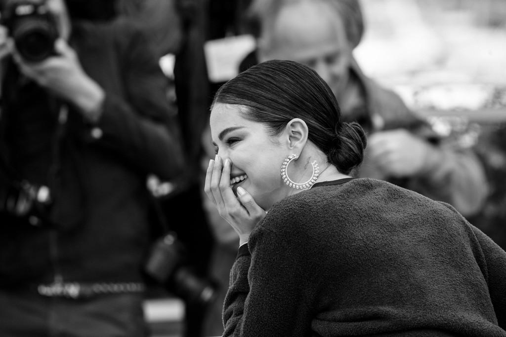 Top khoảnh khắc đắt giá nhất Cannes 2019: Dàn mỹ nhân 9X bất ngờ chiếm đa số, Selena và cặp đôi Brooklyn ấn tượng mạnh - Ảnh 2.